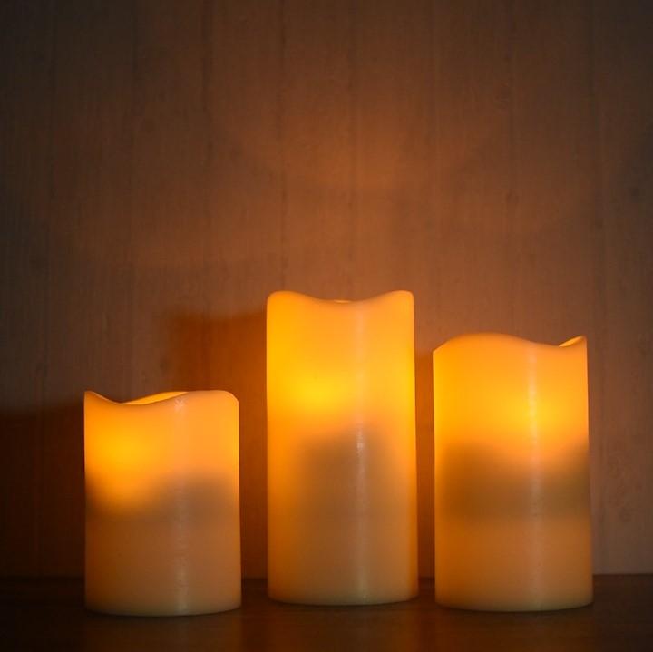 bougies led en cire v ritable lot de 3 avec t l commande. Black Bedroom Furniture Sets. Home Design Ideas
